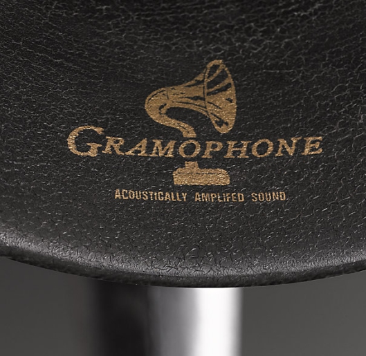 Gramophone Dock Uses A Horn To Amplify Music From Your iPhone and iPad